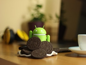 android mascot and oreos