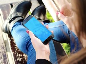 girl on cellphone
